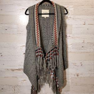 Abercrombie & Fitch fringe sweater vest